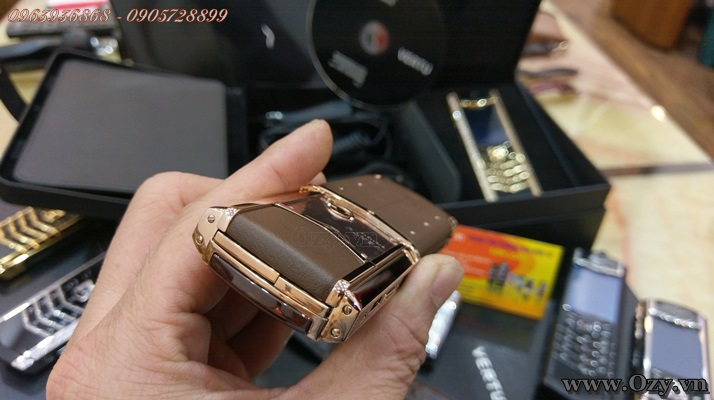 Vertu signature s gold chocolate